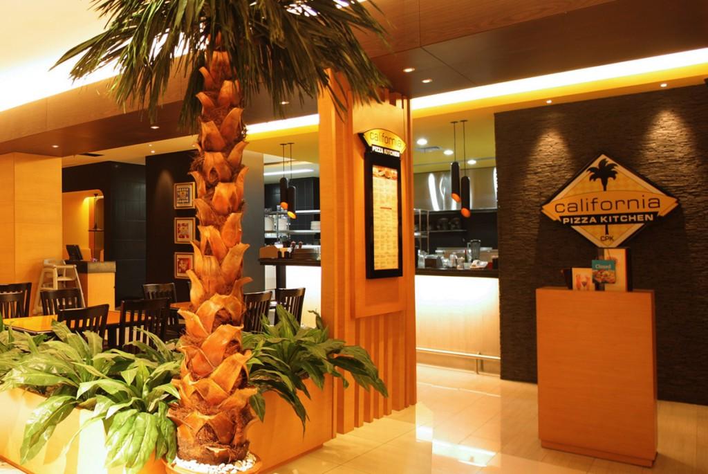 California Pizza Kitchen Palm Tree 1024x685